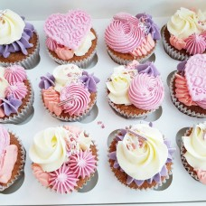12 x Mothers Day Cupcakes