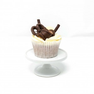12 x Chocolate and Vanilla Loaded Cupcakes