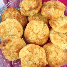 8 x Cheese Scones