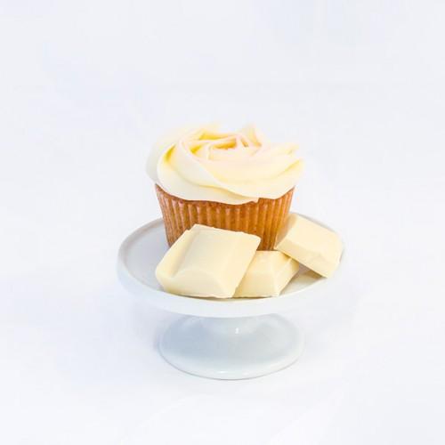 6 x Vanilla Cupcakes with White Chocolate Chips