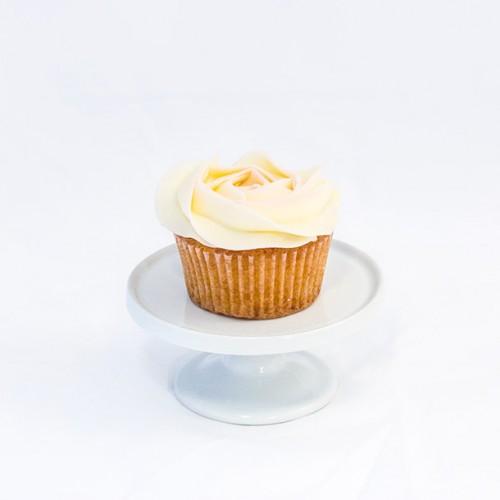 6 x Vanilla Cupcakes with Vanilla Buttercream